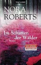 Nora Roberts - Im Schatten der Wälder