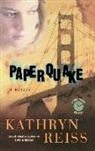 Kathryn Reiss - Paperquake: A Puzzle