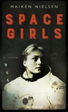 Maiken Nielsen, Katharin Naumann, Katharina Naumann - Space Girls
