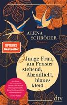 Alena Schröder - Junge Frau, am Fenster stehend, Abendlicht, blaues Kleid