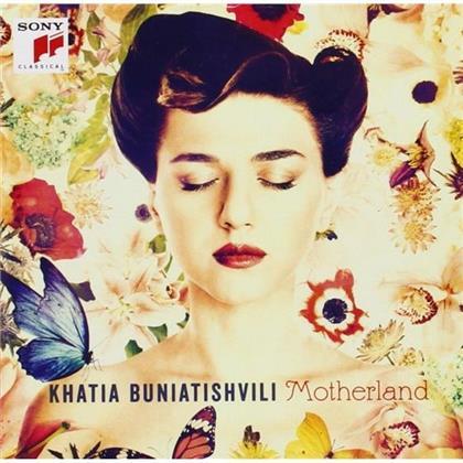 Khatia Buniatishvili, Johann Sebastian Bach (1685-1750), Peter Iljitsch Tschaikowsky (1840-1893), Felix Mendelssohn-Bartholdy (1809-1847), Claude Debussy (1862-1918), … - Motherland