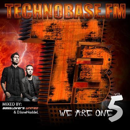 Technobase.Fm Clubinvasion (2 CDs)