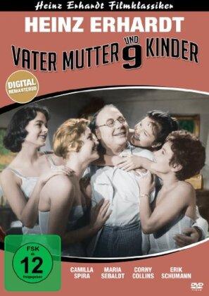 Vater, Mutter und 9 Kinder (s/w)