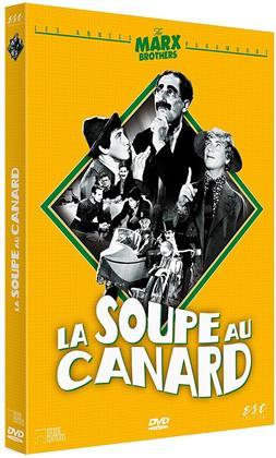 La soupe au canard (1933) (s/w)