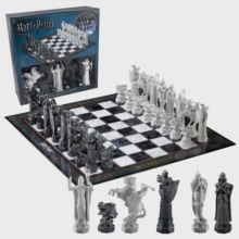 Harry Potter - Wizard Chess Set (Retail Packaging)