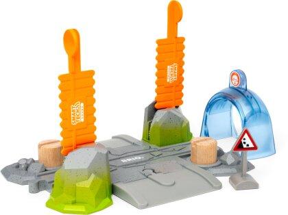 BRIO 33965 Smart Tech Sound Abenteuer-Bahnübergang - Kompatibel mit der Smart Tech Sound Reihe von BRIO - Interaktives Spielzeug empfohlen ab 3 Jahren